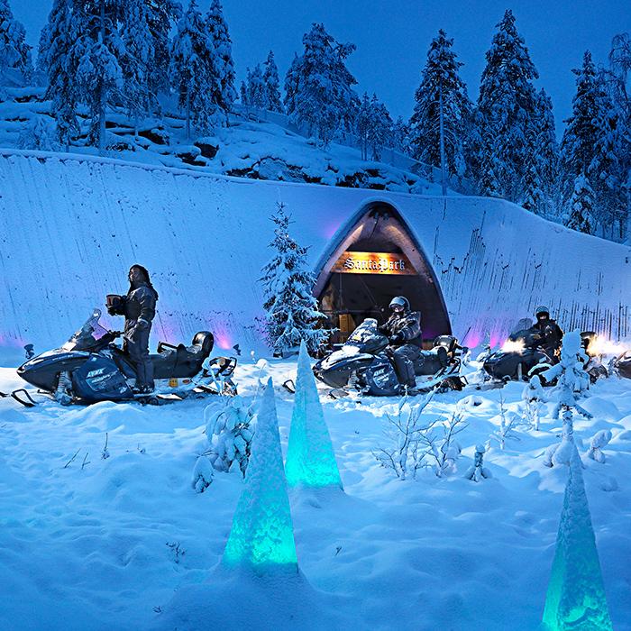 Arctic Treehouse Hotel Moottorikelkka Safari