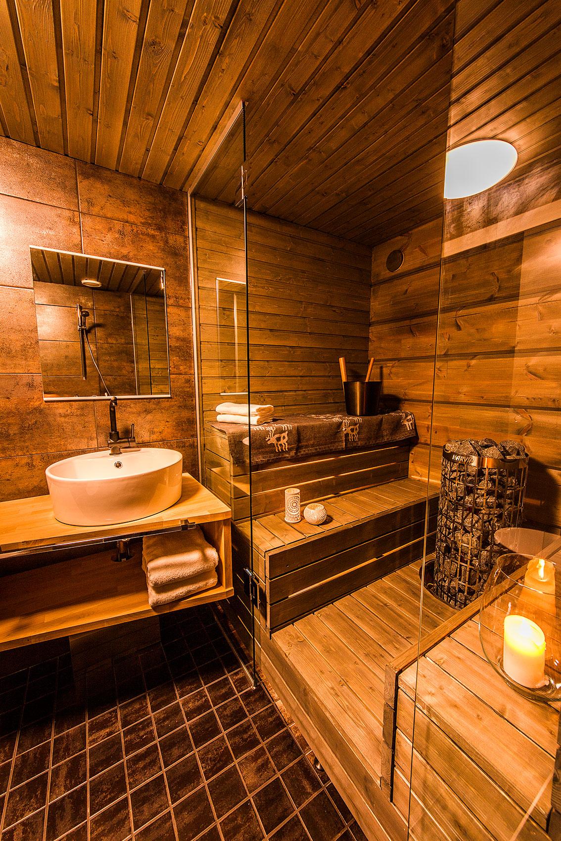 Arctic TreeHouse Hotel sauna